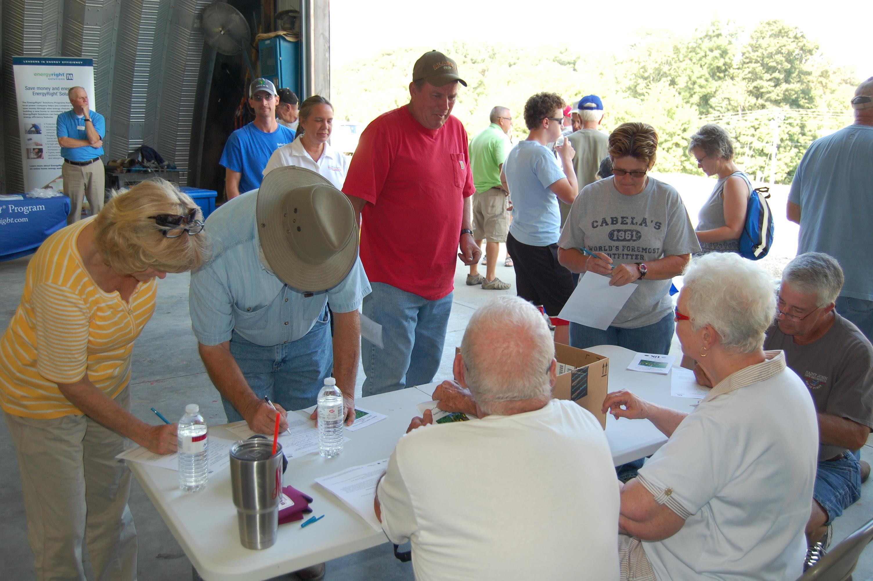 People register for Butler County Extension Field Day
